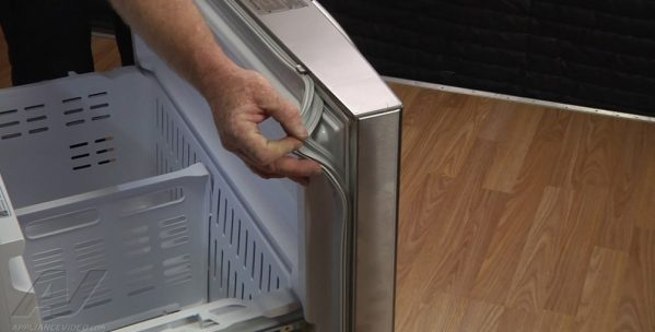 common refrigerator repair problems